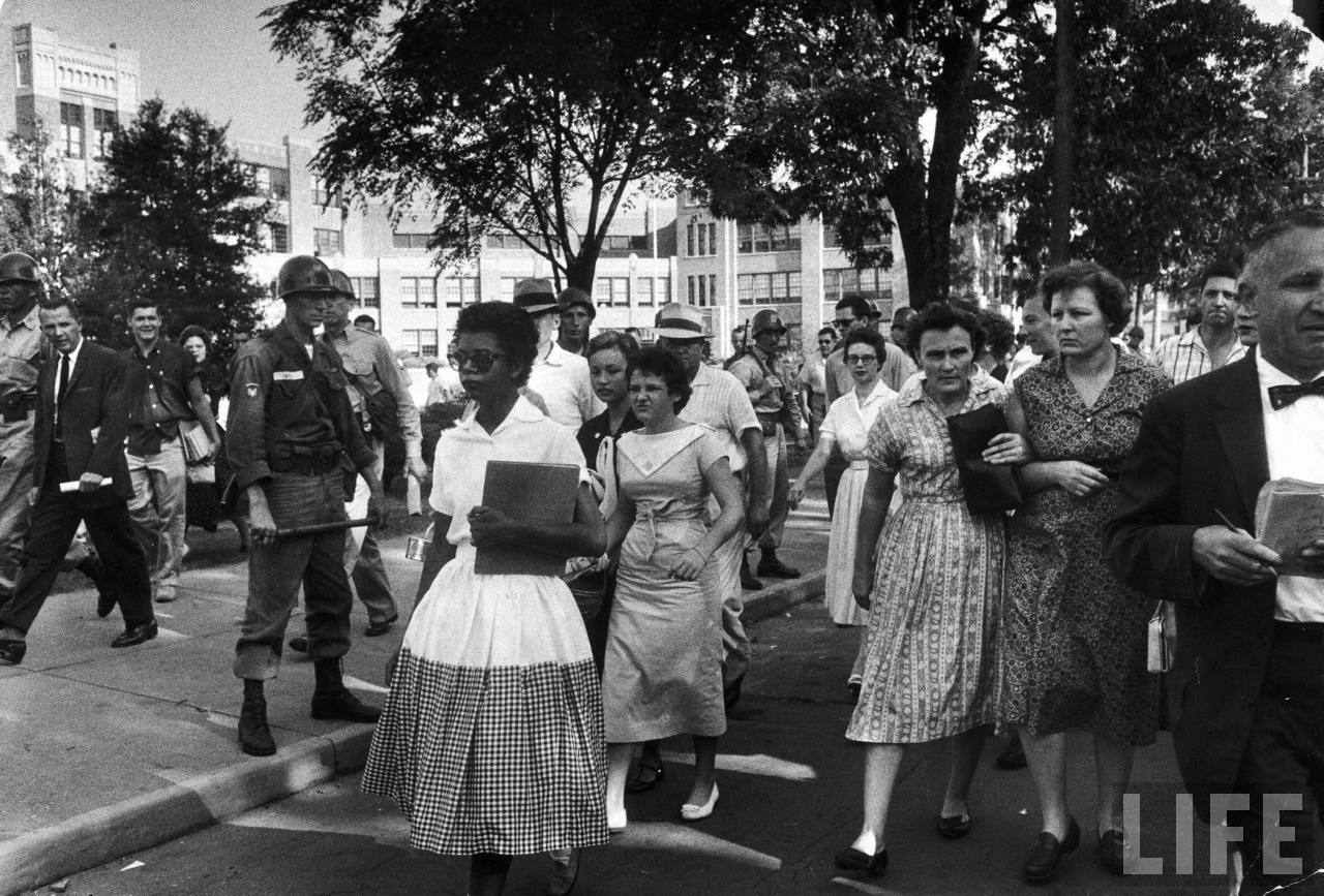 an analysis of the little rock integration crisis In the fall of 1958 little rock's public high schools were closed following a referendum in which the city's citizens refused to vote for integration in order to keep their schools open the future of public education was clearly at risk.