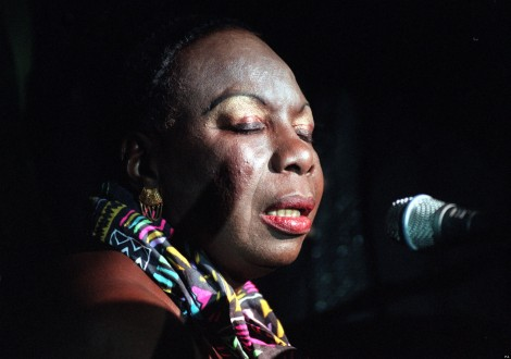 SINGER NINA SIMONE AT THE CANCER RESEARCH CAMPAIGN'S GALA