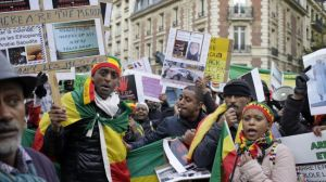 Ethiopians in Paris protest against the conditions of Ethiopia's undocumented migrants in Saudi Arabia on November 21, 2013.