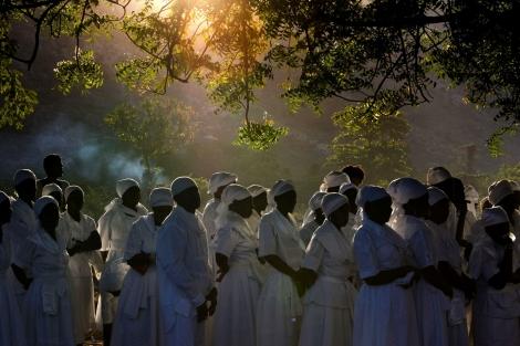 Haiti. Hundreds gather for a vodou ceremony. Photo by Ramon Espinosa | AP