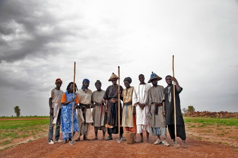 One of the most important elements of the Baye Fall is dedicated work. Many followers have dedicated their lives to the land, often working the fields of their daara, a rural Mouride community. Ndindy, Senegal. 2014 (Laylah Amatullah Barrayn)